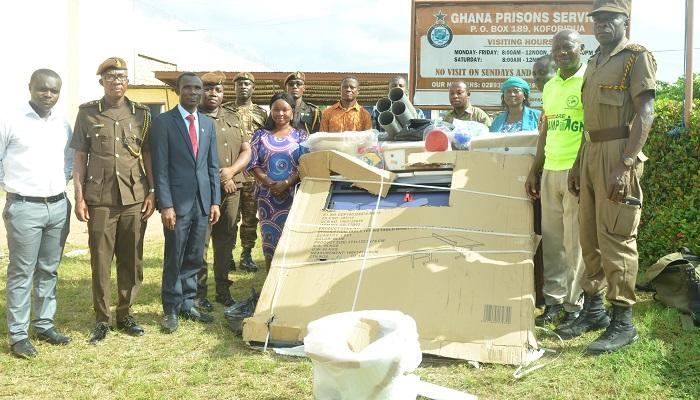 Koforidua Effiduase District Donates To Koforidua Prisons Service