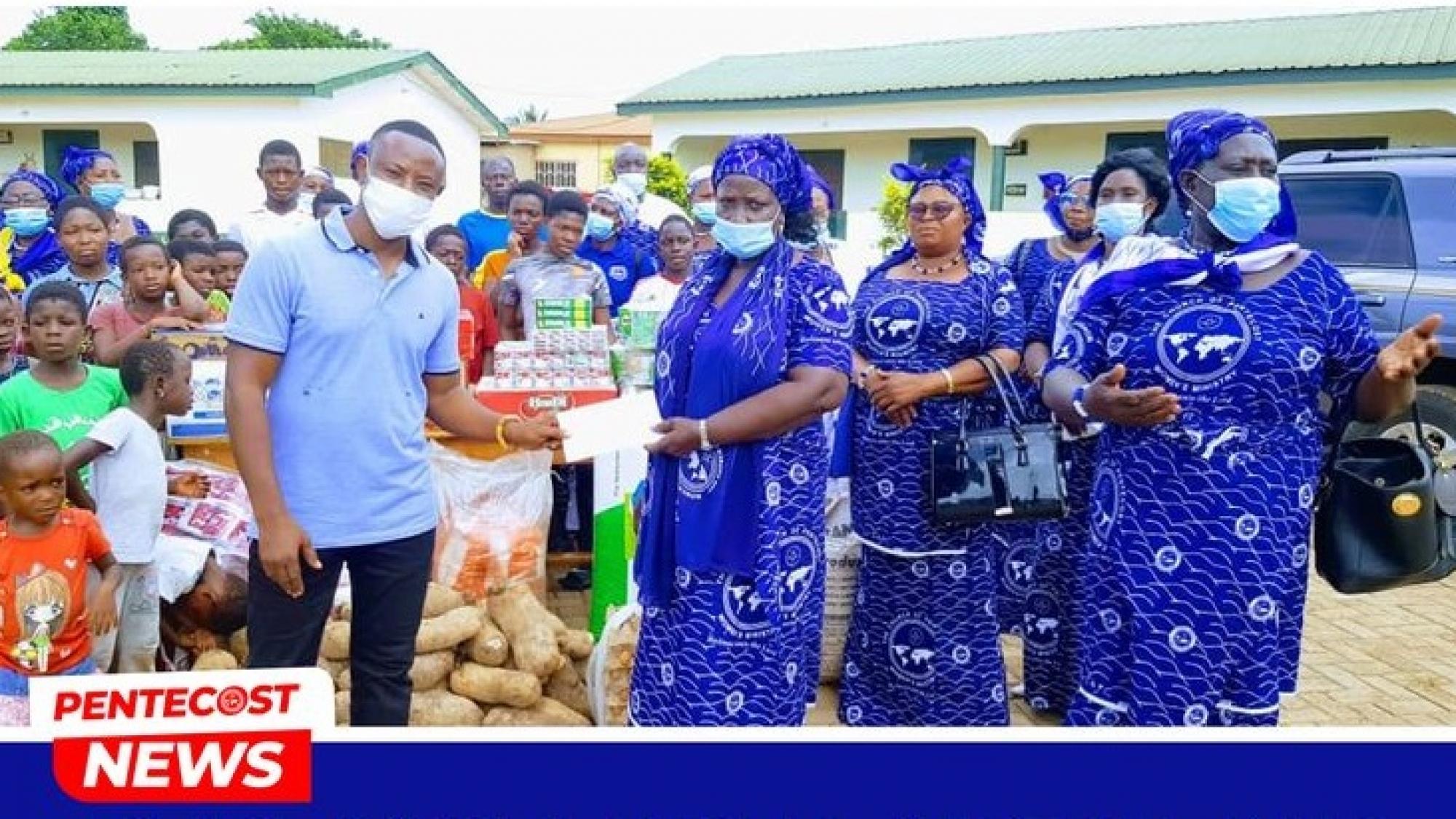 Berekum Area Women's Ministry Donates Items 01